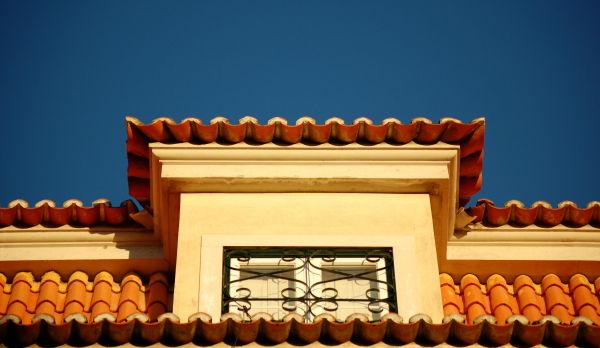 Lisbon top floor windows  2