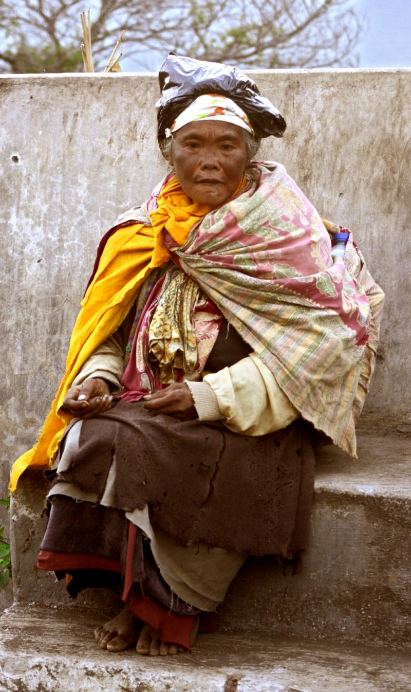 old woman of bromo