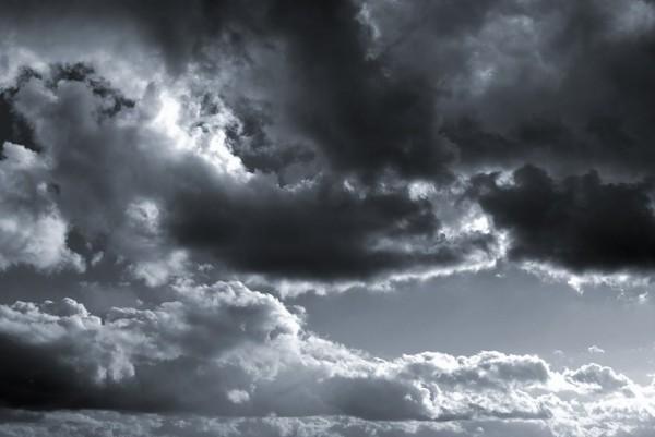 b+w clouds