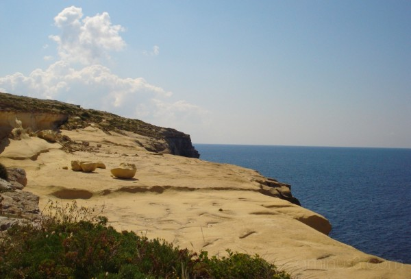 Xlendi Cliffs, Gozo