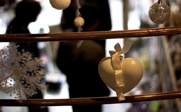 Christmas decorations in a coffee shop.
