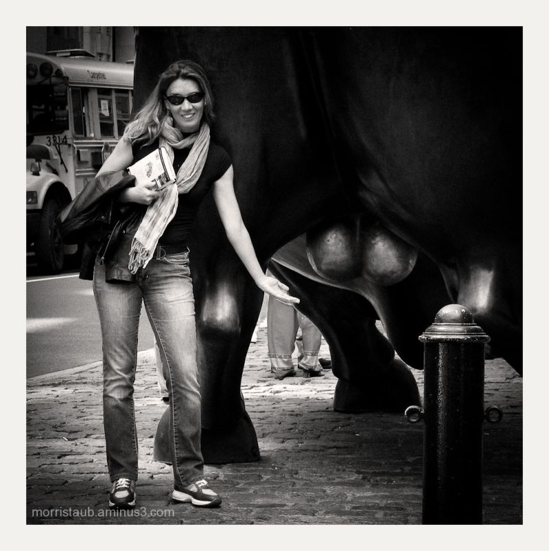 Playful tourist in southern Manhattan, NYC.