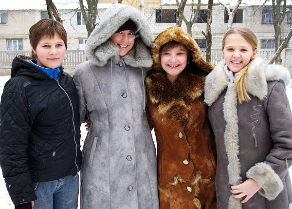 Ukrainians bundled up during a snow flurry.