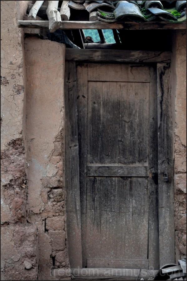 Door (4/5)