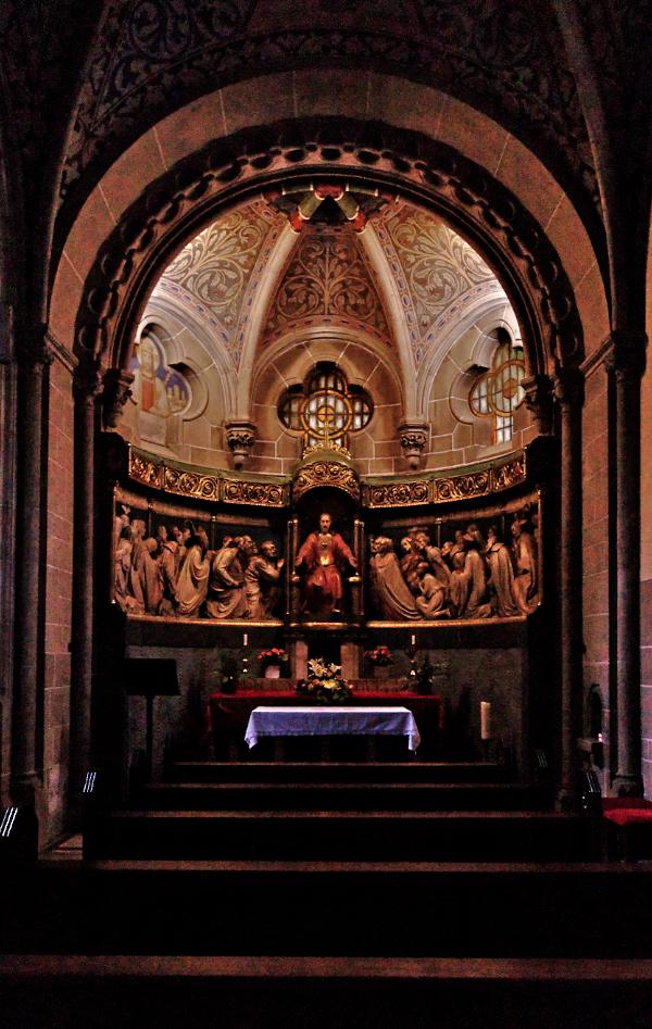 St. Elisabeth, Bonn, Altar