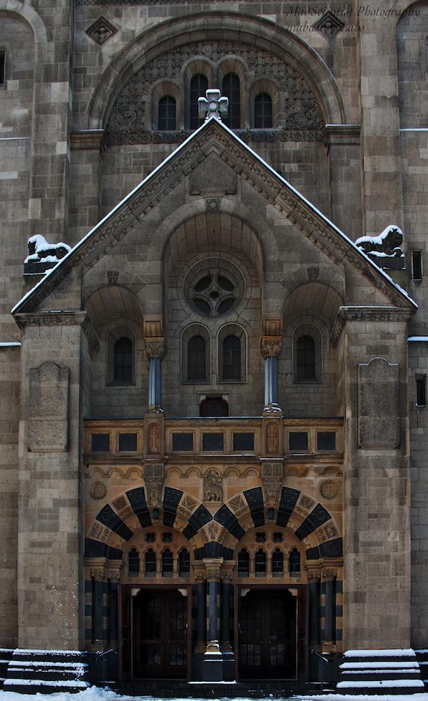 St. Adolfus: Portal