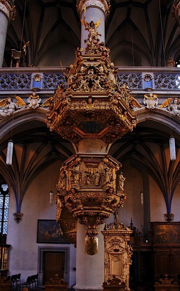 St. Mariä Himmelfahrt, Cologne: Pulpit