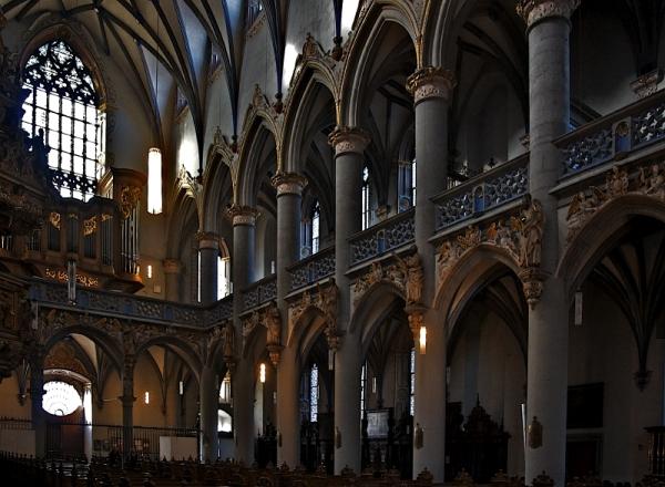 St. Mariä Himmelfahrt, Cologne: Nave
