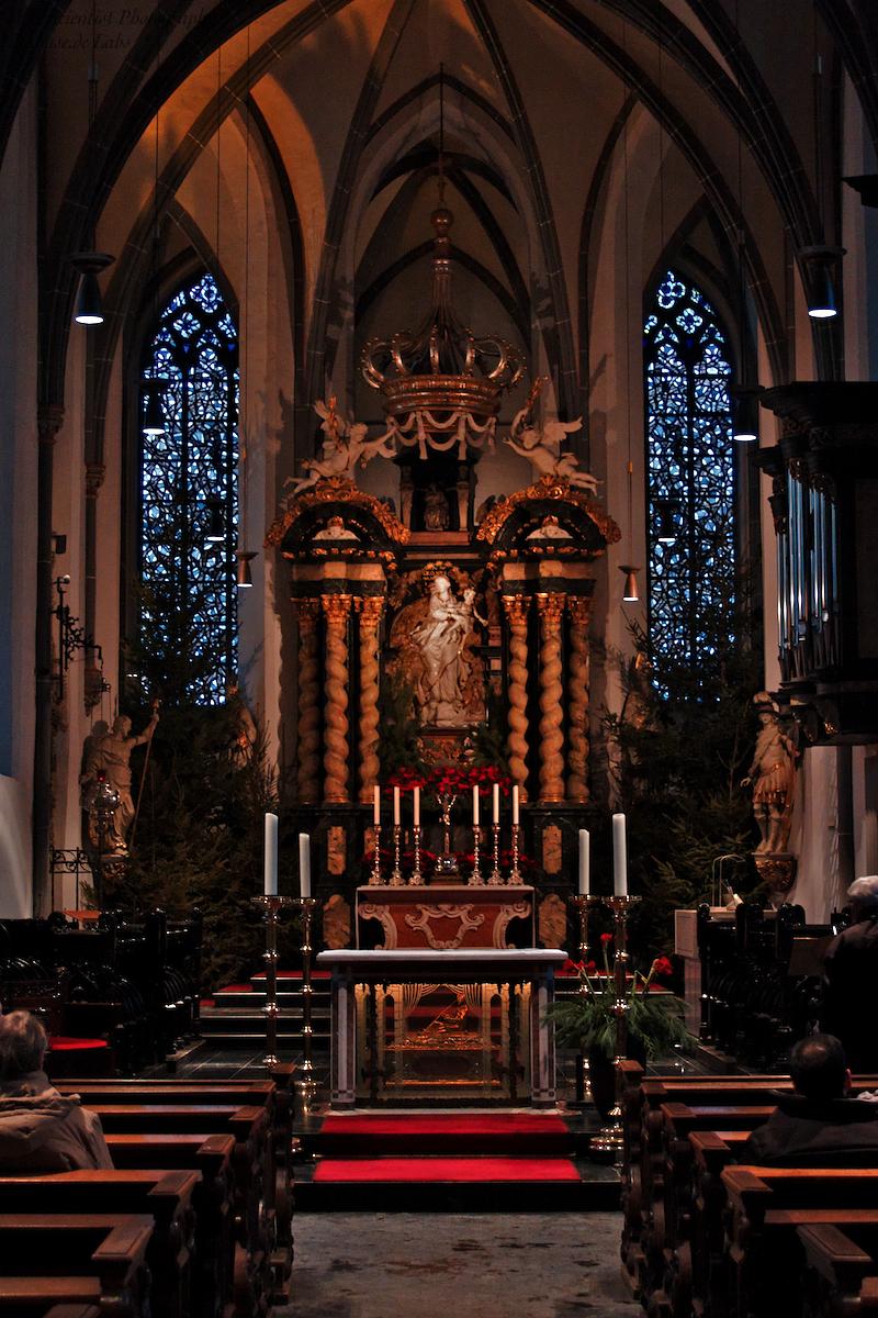 St. Lambertus, Düsseldorf: High Altar