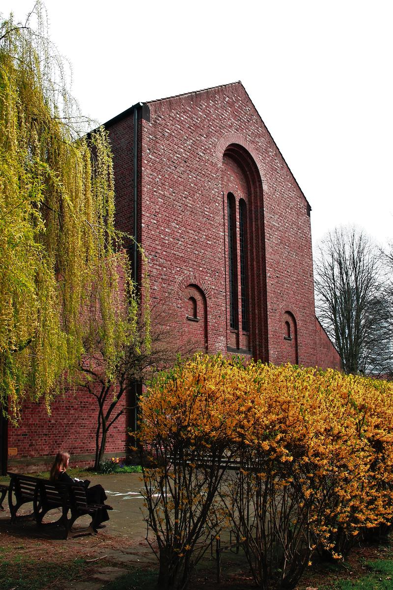St. Albertus Magnus, Düsseldorf