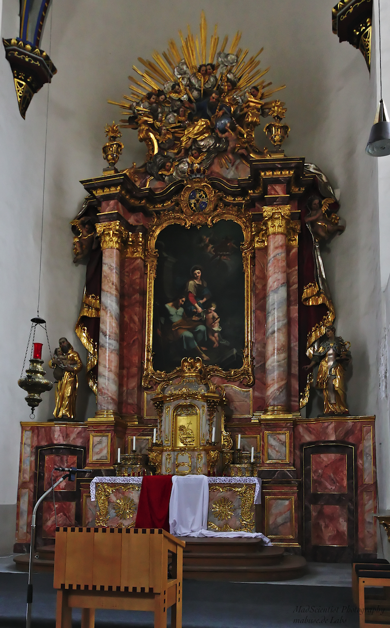 Namen-Jesu-Kirche, Bonn: High Altar