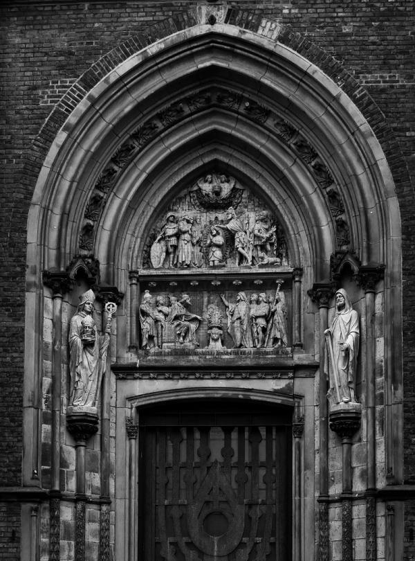 St. Mauritius, Cologne: Portal