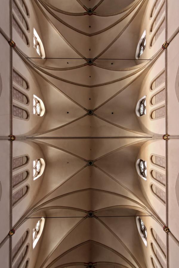 St. Josef, Düsseldorf: Ceiling