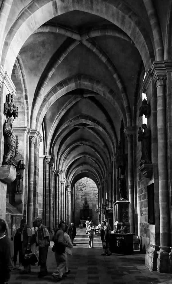 Bamberg Cathedral: Aisle