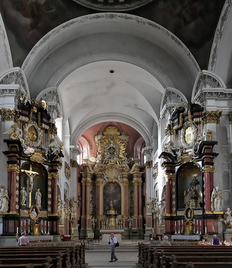 St. Martin, Bamberg: Altars