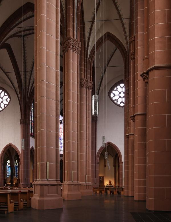 St. Agnes, Cologne: Aisle
