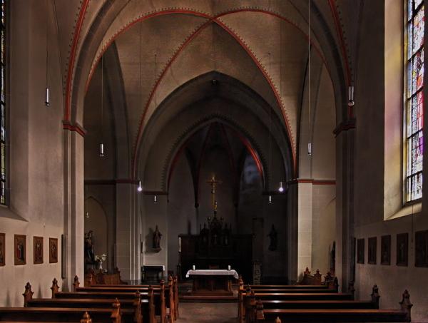 St. Heinrich und Kunigunde, Cologne: Interior