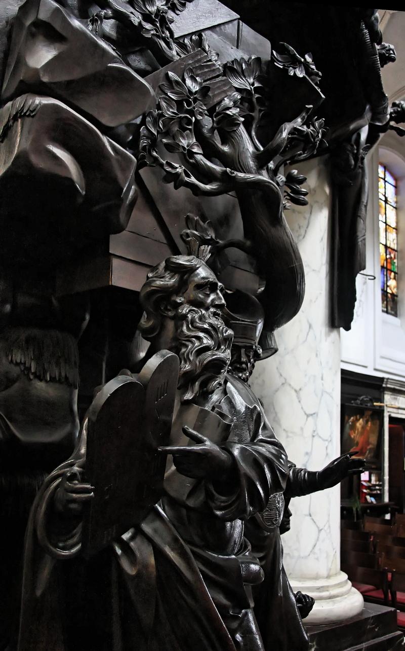 Notre-Dame du Finistère: Moses