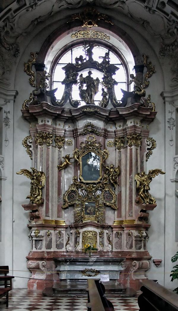 St Ignatius, Prague: Altar