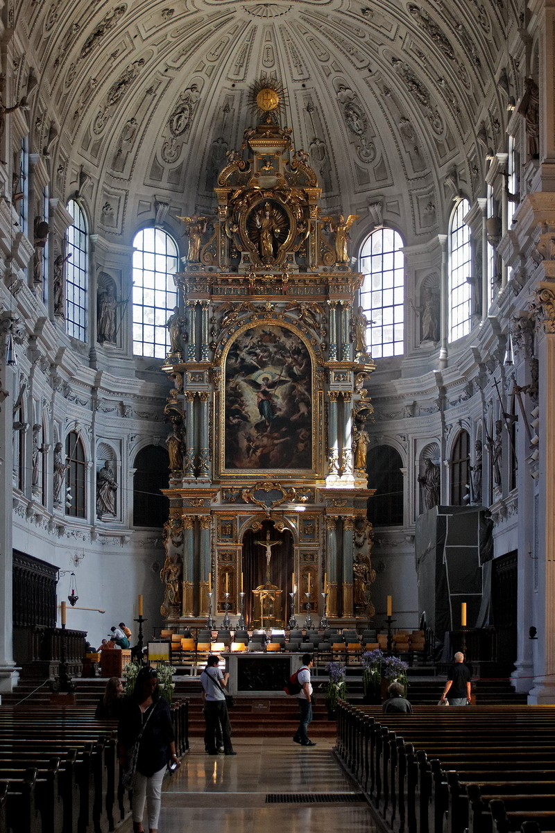St Michael, Munich: High Altar