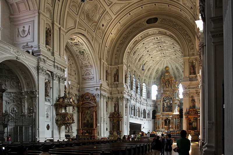 St Michael, Munich: Nave