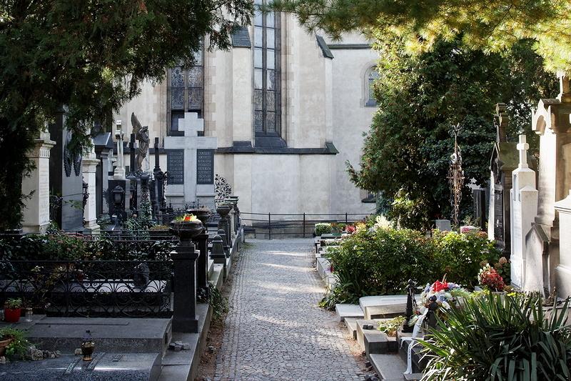 Vyšehrad: Cemetery (pt. 5)