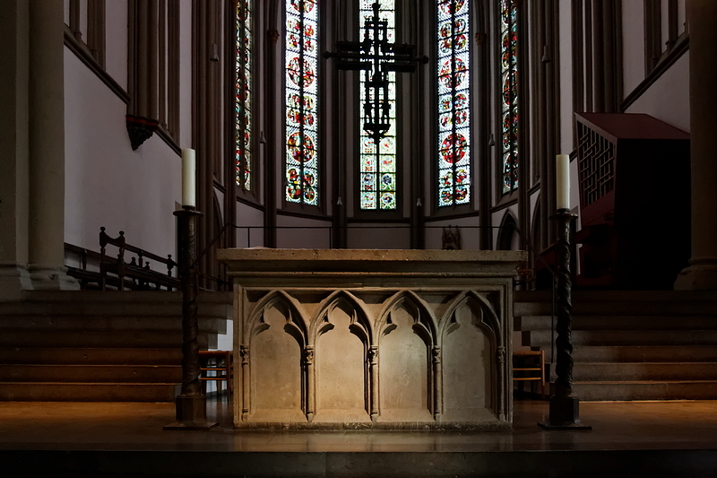 St Vitus, Mönchengladbach: Altar