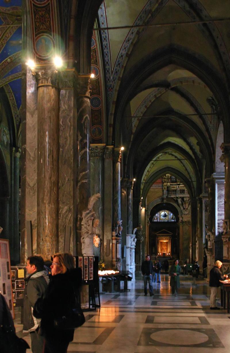 Santa Maria sopra Minerva, Interior