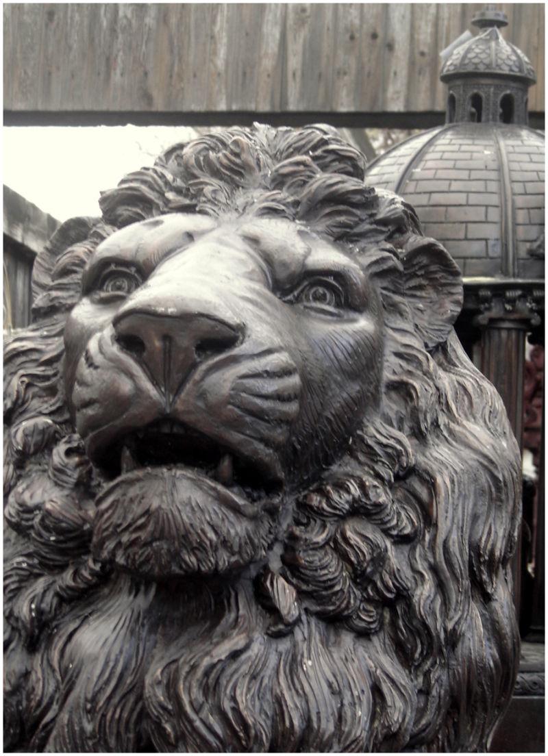 Lion puces St Ouen
