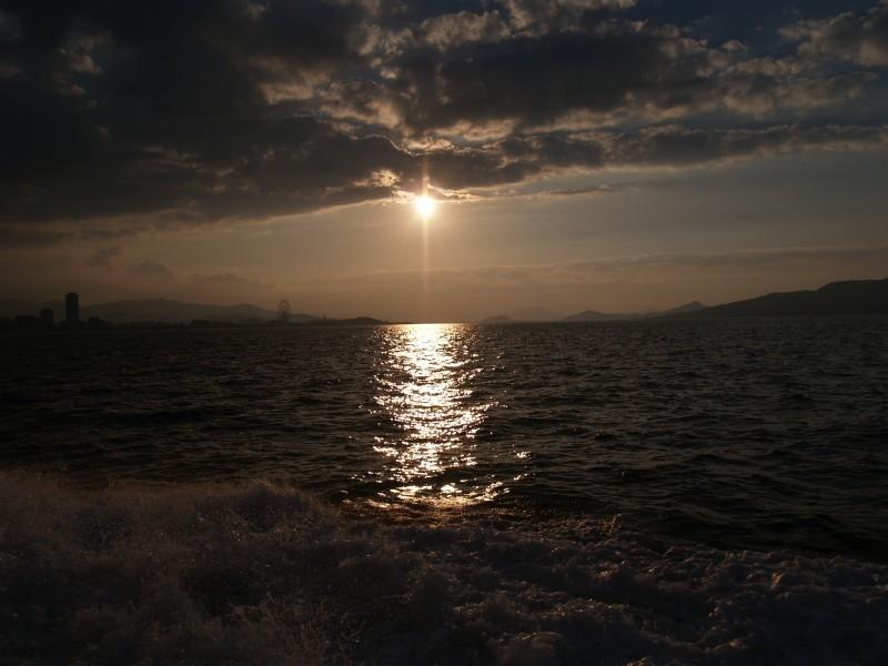 Hakata bay of evening 16:35