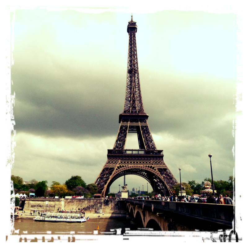 Per suposat, Tour Eiffel