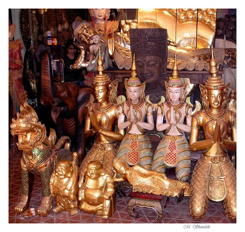 Statue shop - Bangkok, Thailand