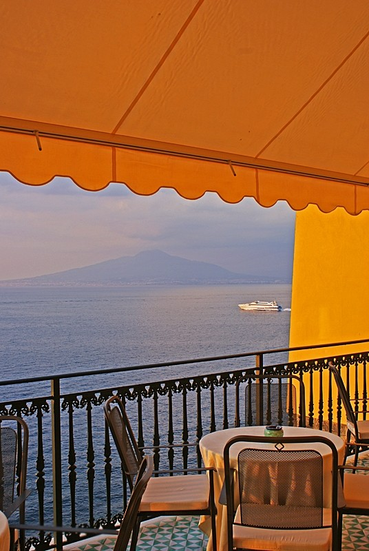 Romantic tables of Sorrento