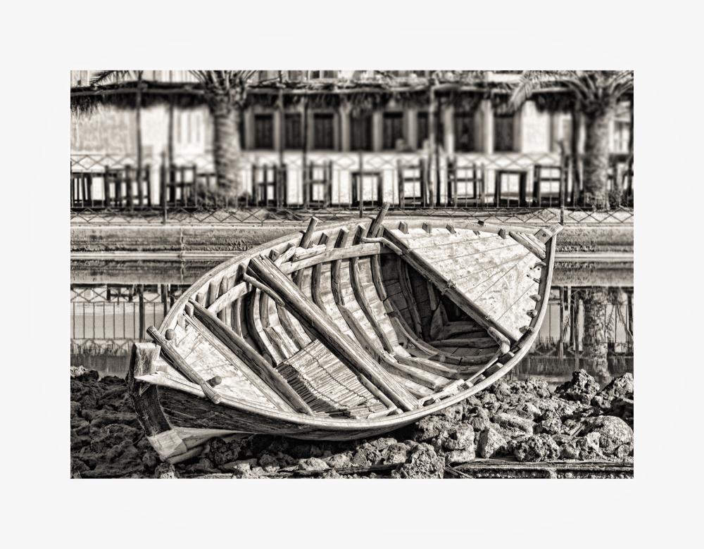 Abandoned Boat / Bateau abandonné