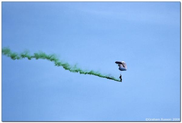 ysterplaat air show parachute