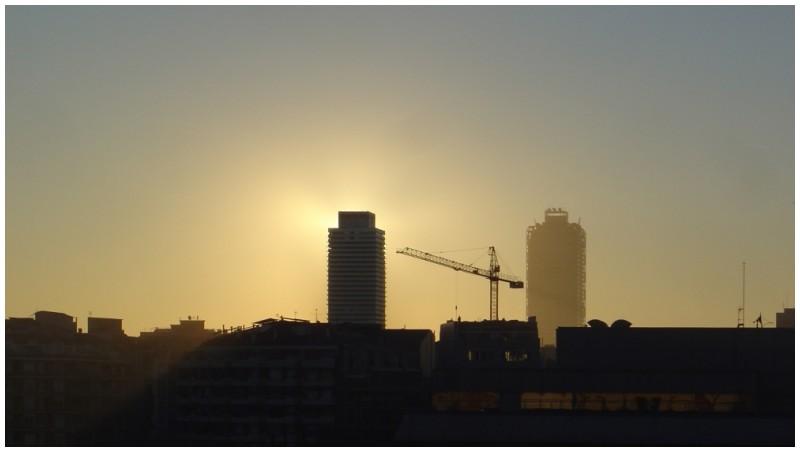 barcelona twin towers