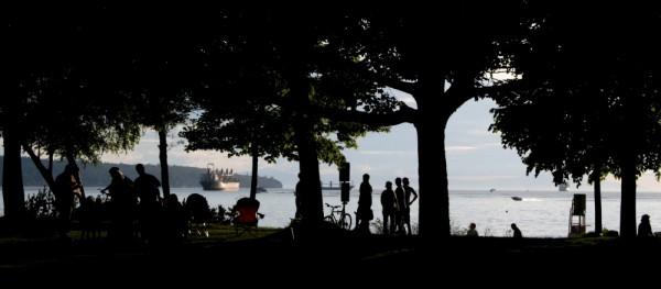 stanley park ocean silhouette