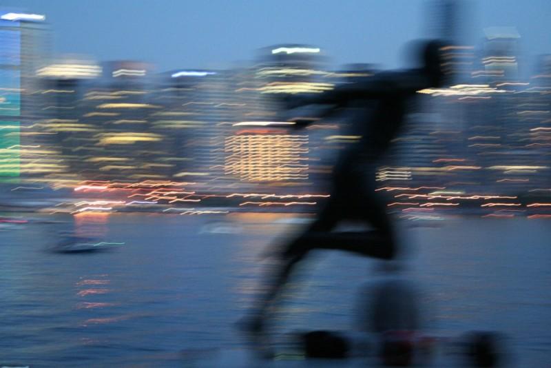 runner and lights