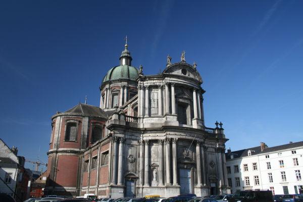 behold: a church