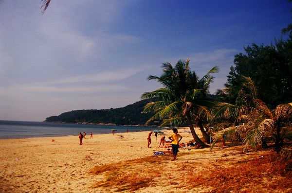 2004 indian ocean tsunami karon beach phuket