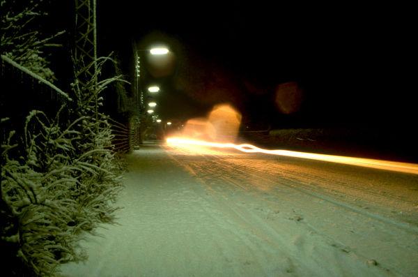 en frossen vinter nat på vejen hjem