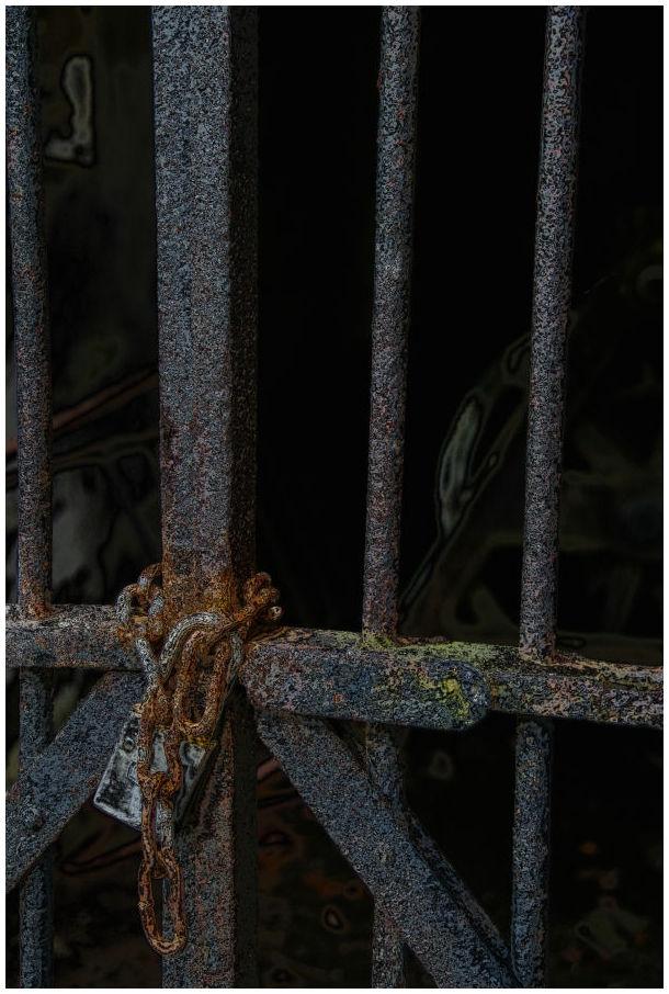 fort mott: locked up