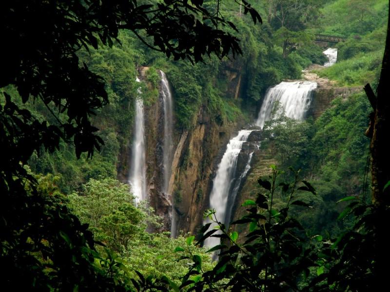 devon waterfall srilanka