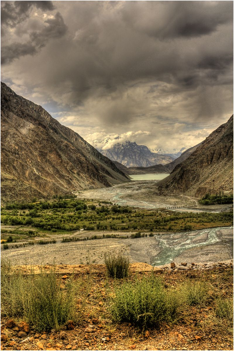 streams feedid the satpara lake skardu