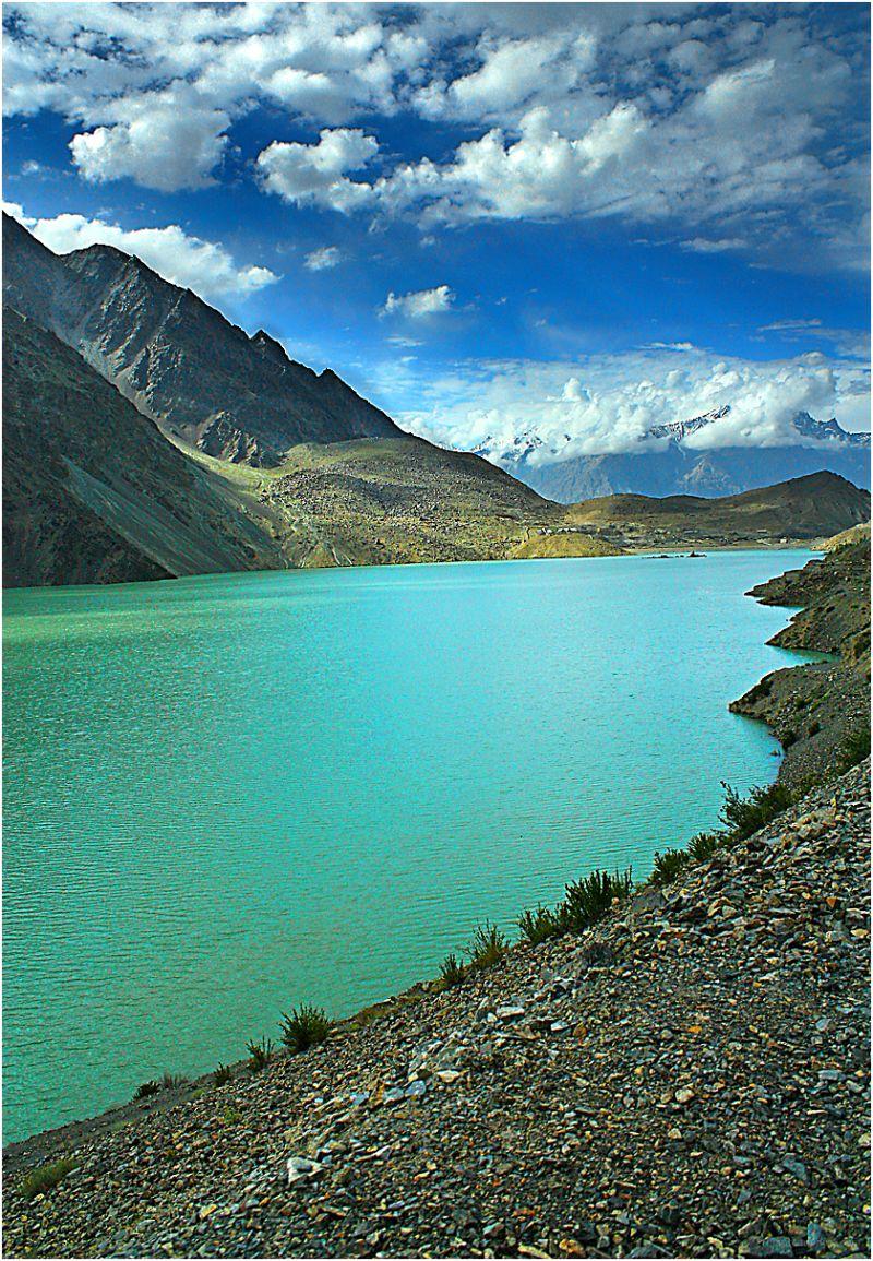 satpara lake from thr road