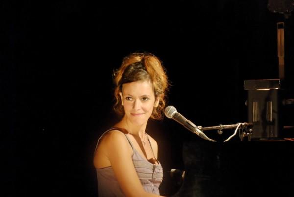 Emily Loizeau show Valence Drome 26