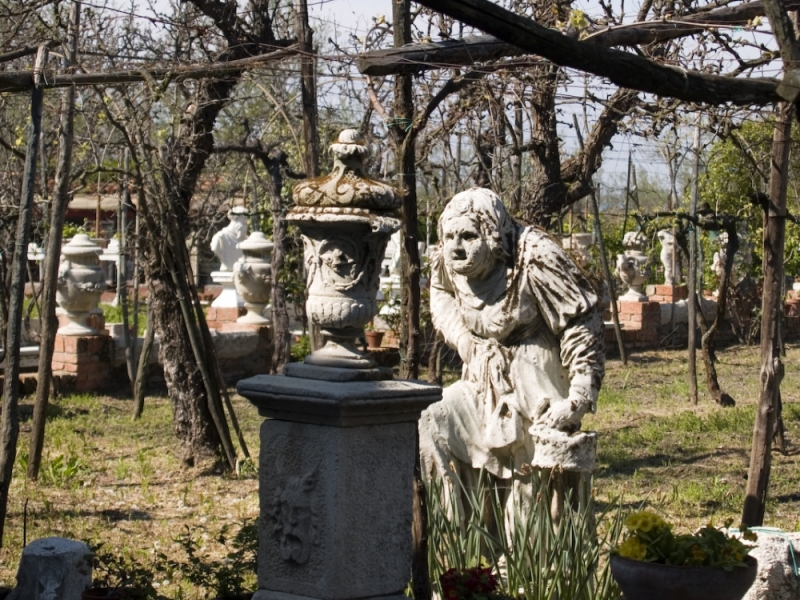 Torcello statue Italie