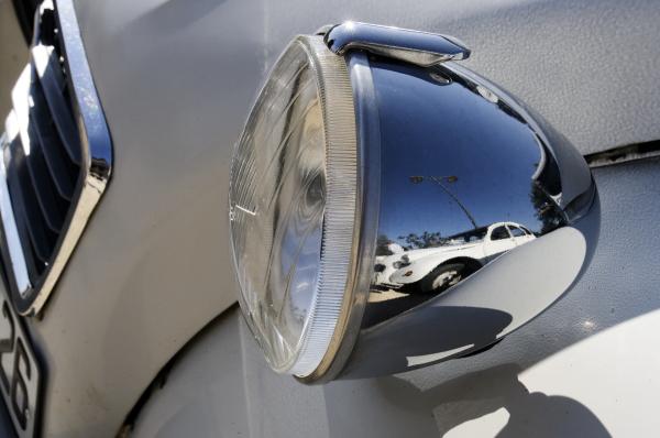 2CV BEAUMONT-MONTEUX DROME 26 automobile