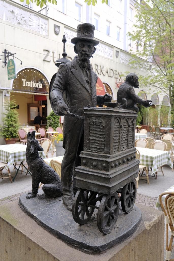 Musicien Statue Berlin Allemagne