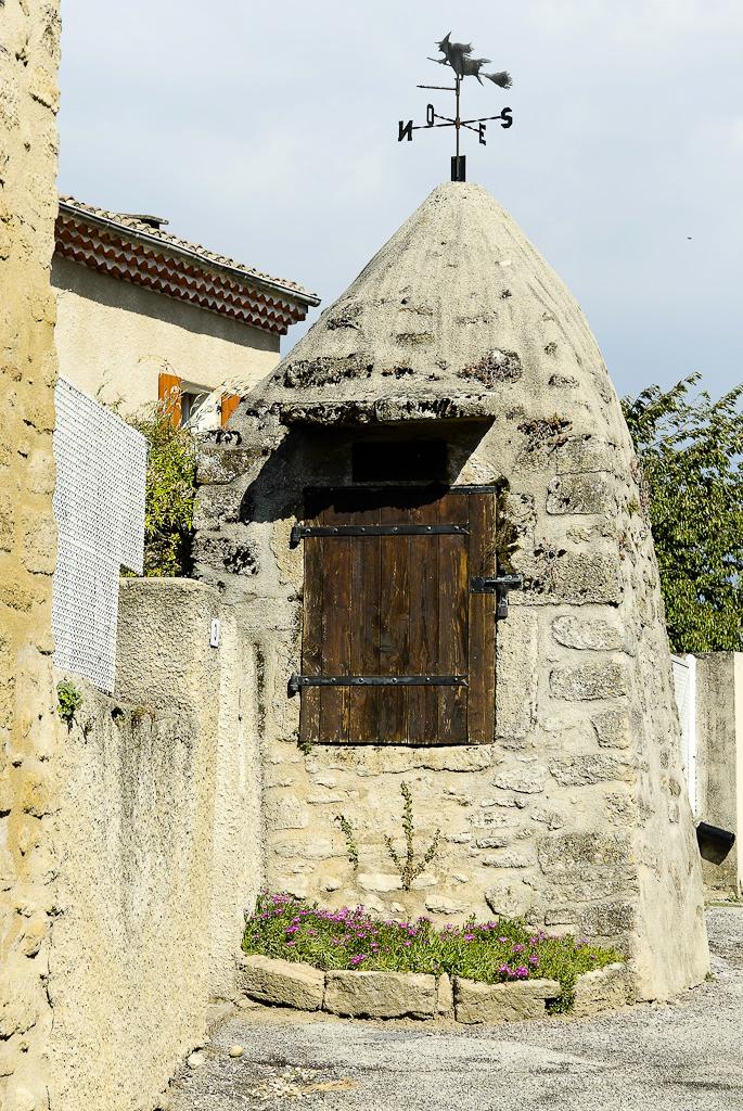 Puits Etoile-sur-Rhone Drome 26